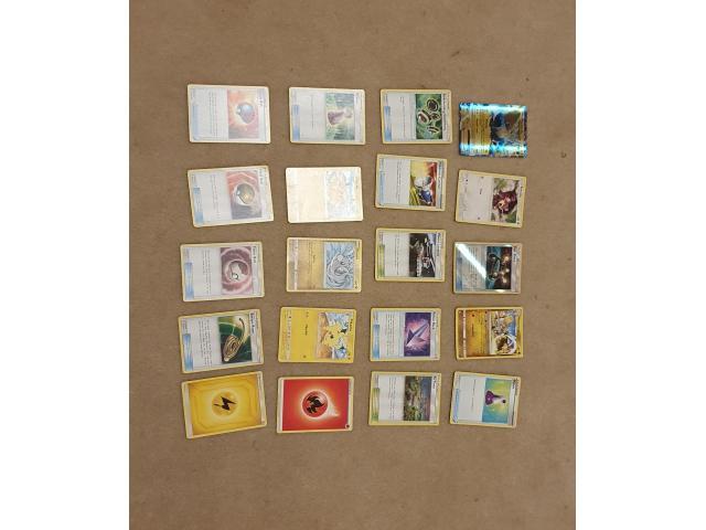 Bundles of 20 pokemon cards - 4